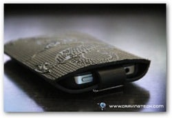 Oberon Cell Phone Sleeve Review - closure in