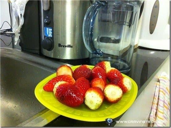 Breville ikon Froojie Review - strawberries