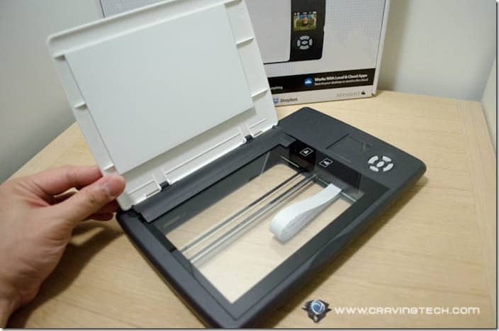 Doxie Flip Review – Flatbed scanner reimagined