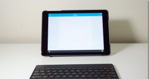 Moshi VersaKeyboard iPad Case Review
