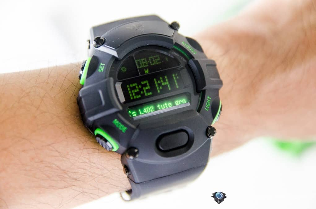 Why does the Razer Nabu Watch's digital watch face and secondary screen lighting appear different? The digital watch component utilizes a low-power LCD. This vastly improves the battery life performance of both the digital watch and secondary screen components, .
