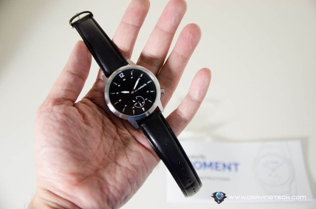 An activity tracker with a fashion statement – Runtastic Moment Classic  Review