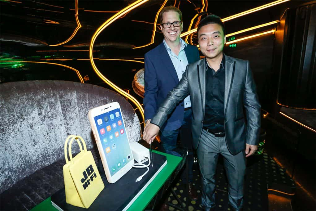 OPPO JB Hi-Fi Launch (Richard Murray-Marvin Hou)