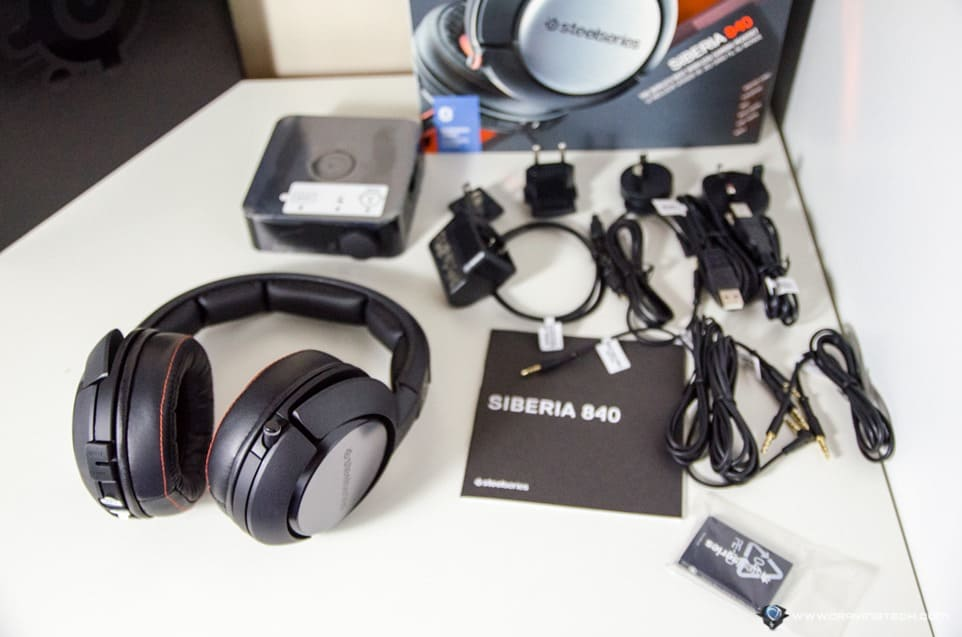SteelSeries Siberia 840 box contents