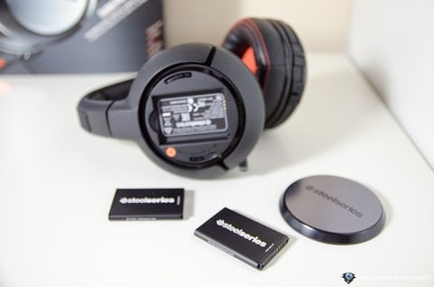 SteelSeries Siberia 840 Review - Batteries