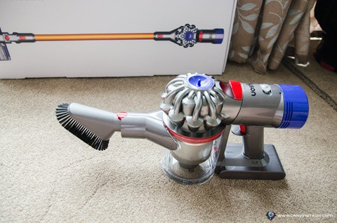 Dyson V8 Absolute-12
