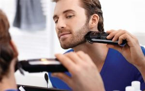 It shaves, then cleans the mess – Philips Beardtrimmer Series 7000 Review