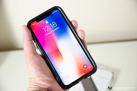 Tech21 iPhone X case screen protector-8