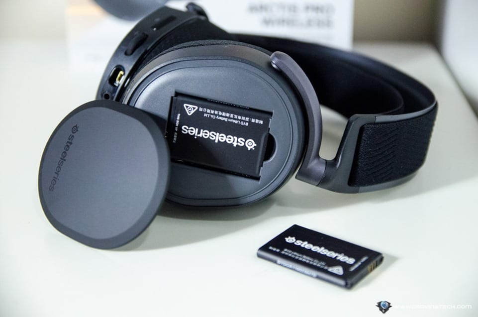 SteelSeries Arctis Pro Wireless Gaming Headset-10
