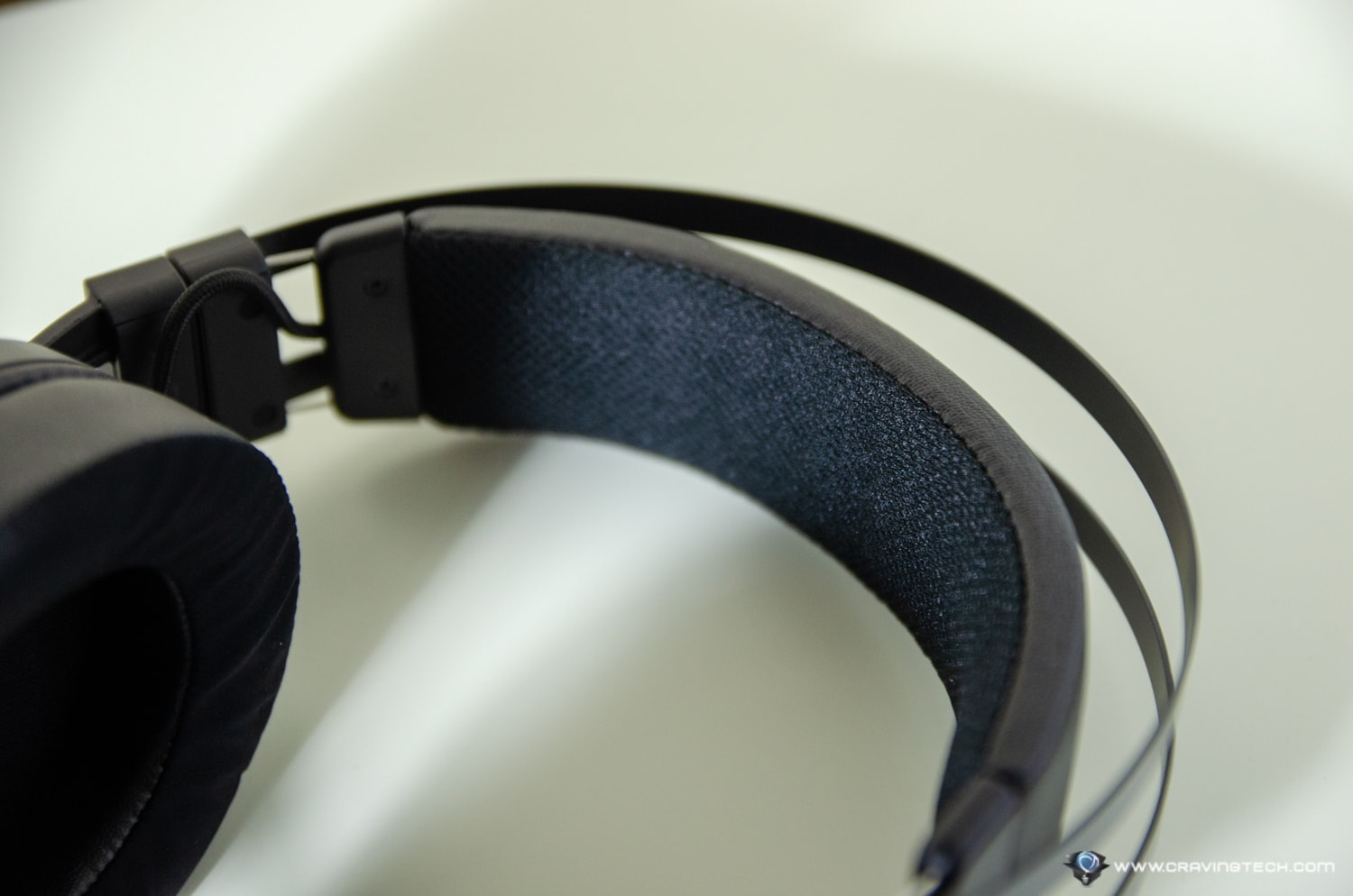 Razer Nari Review - Wireless Gaming Headset with THX Spatial