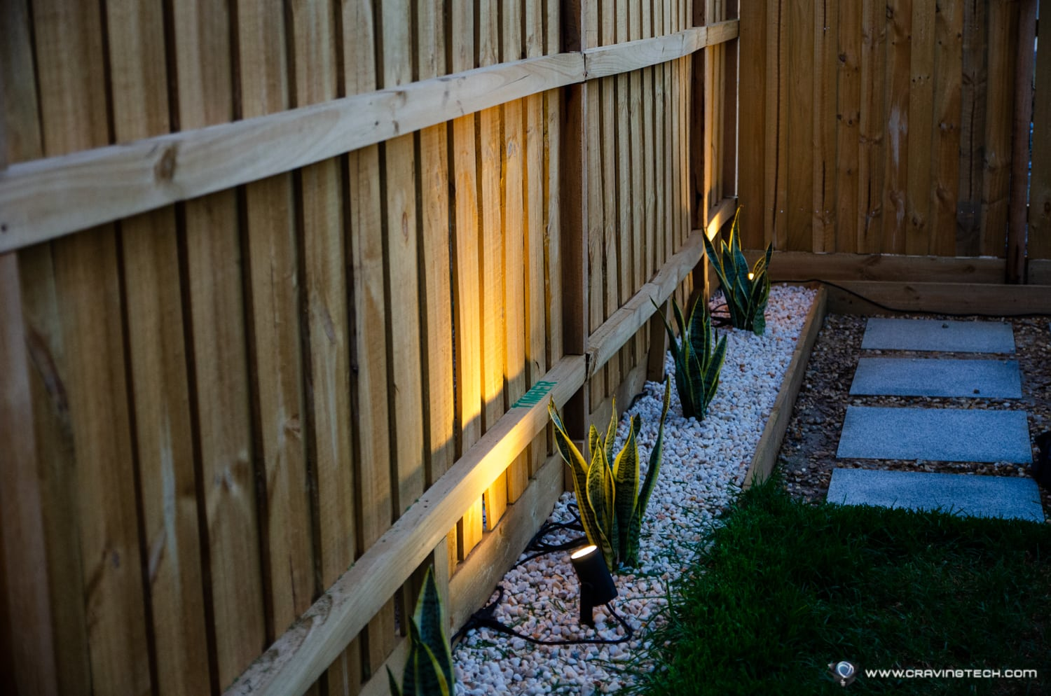 Philips Hue Outdoor Lily Spotlight-18