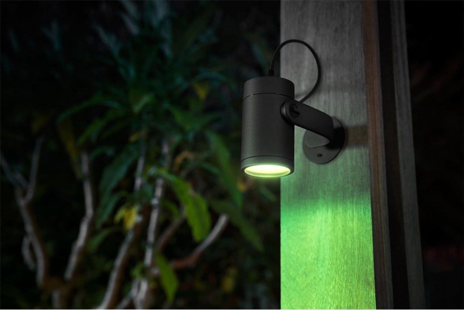Bringing smart home automation to the outside – Philips Hue Lily Outdoor spot light Review