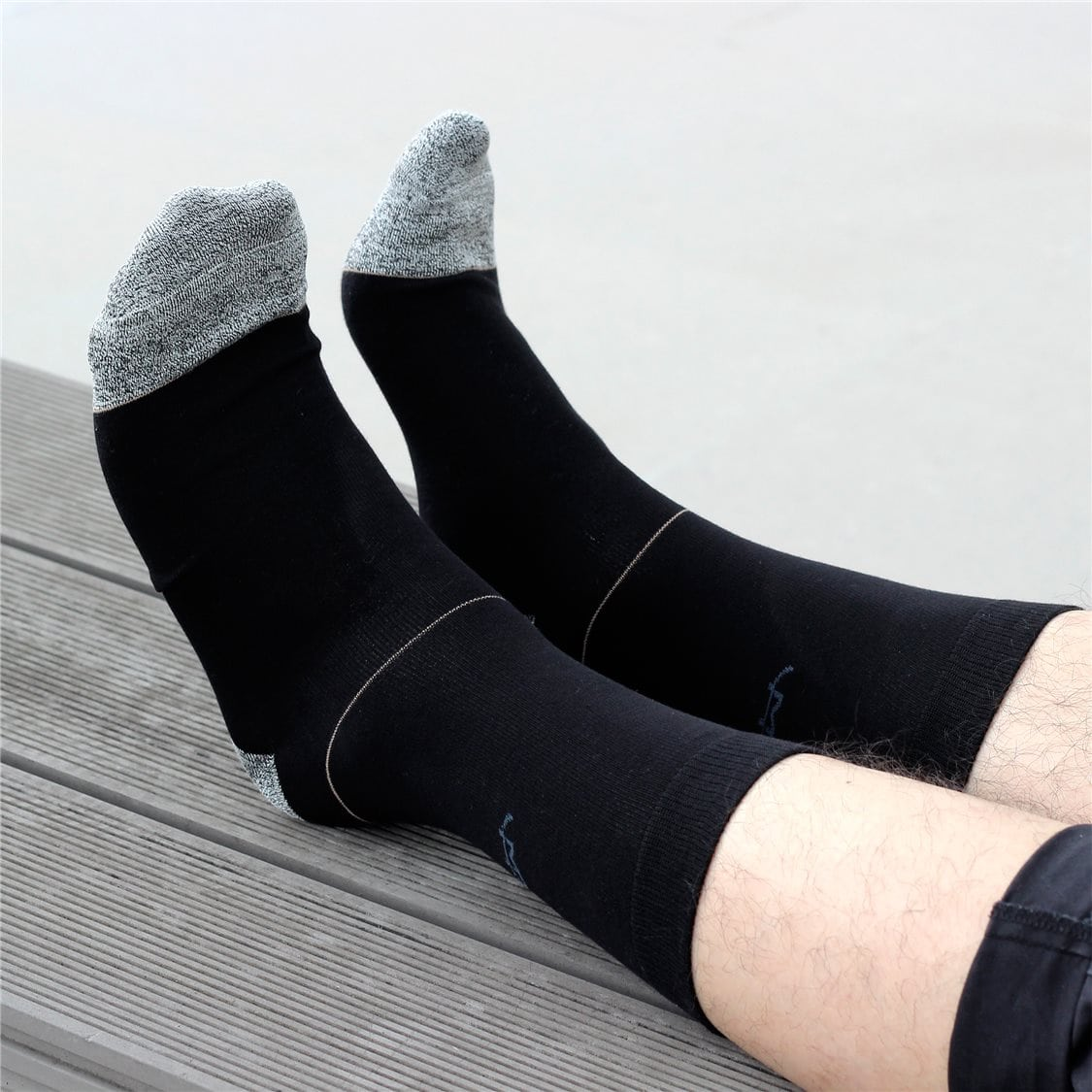 Tech is now coming to your… socks
