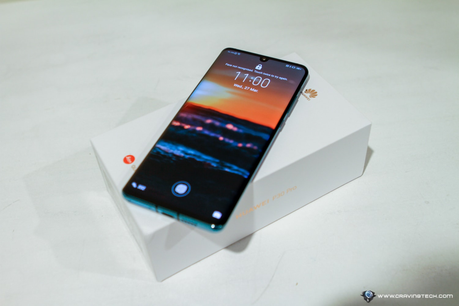 "The phone just won the ""Best Photo Smartphone"" award and I can see why – HUAWEI P30 Pro Review"