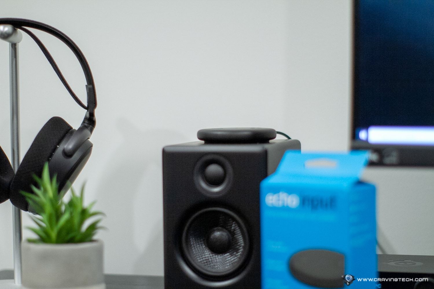 Transform any speaker to a smart speaker with Amazon Echo Input