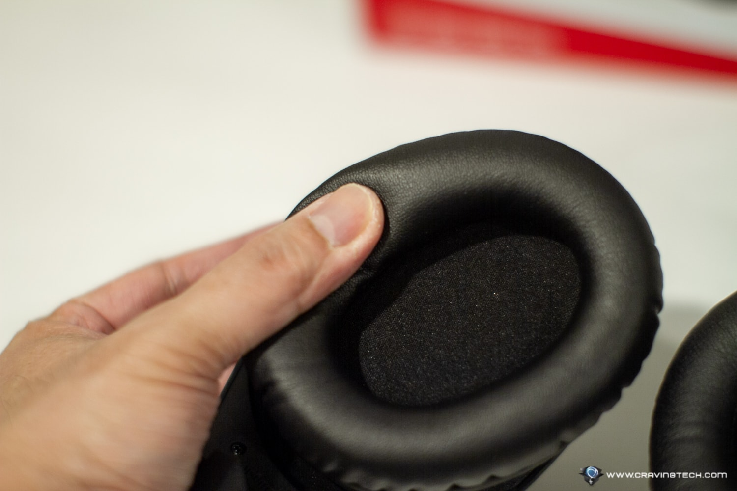 HyperX Cloud Stinger Wireless Gaming Headset Review - Comfortable