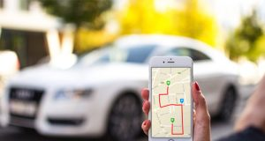 car-tracking-smartphone
