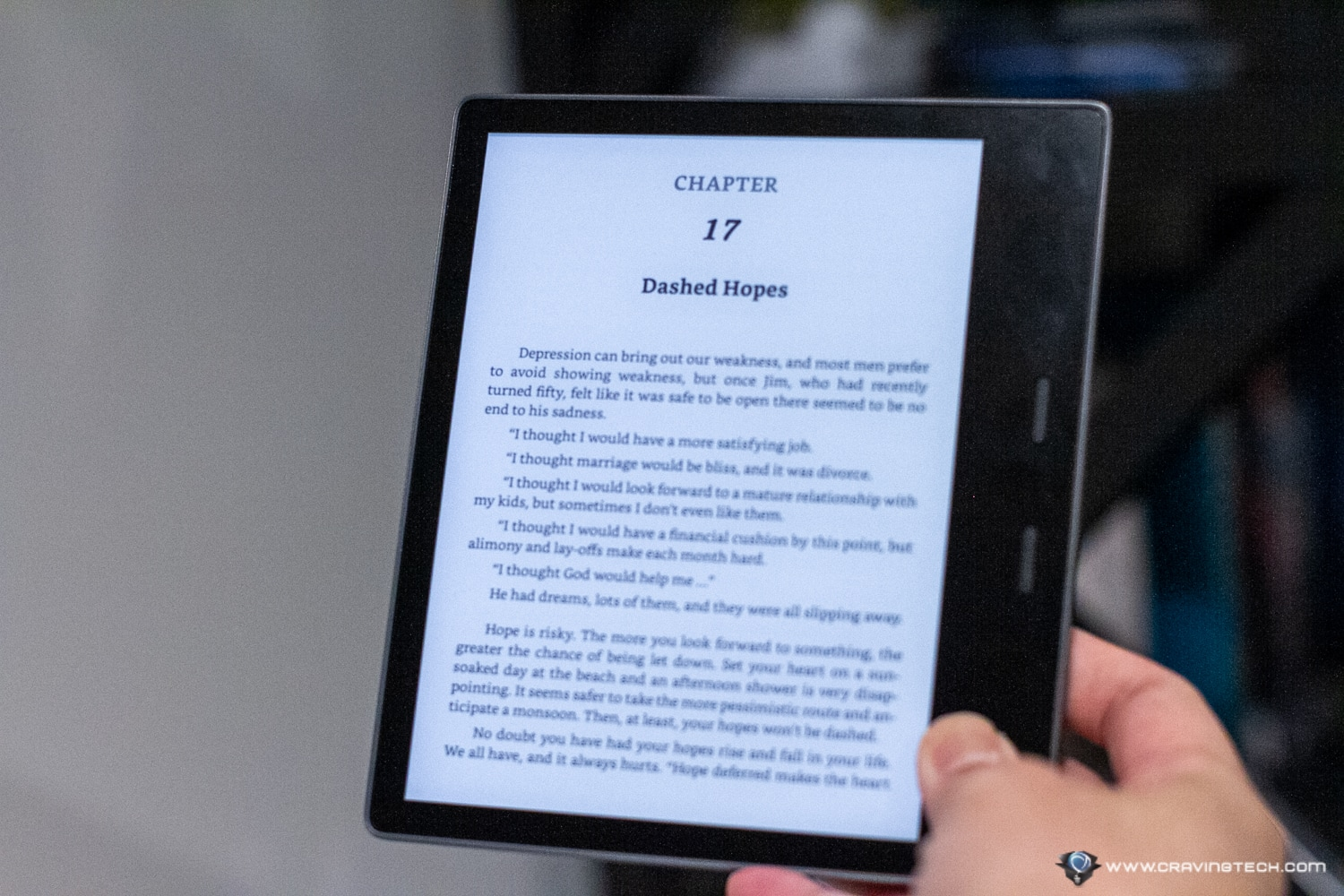 "The ""easiest on the eyes"" Kindle – Amazon Kindle Oasis 2019 Review"