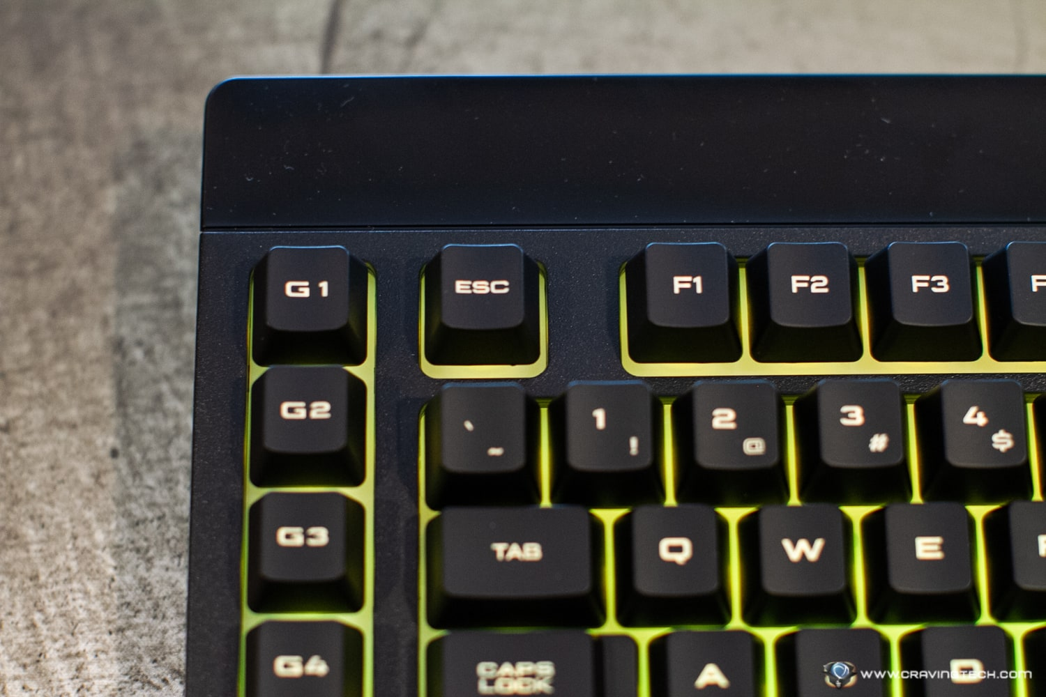 CORSAIR K57 RGB Wireless Review-6