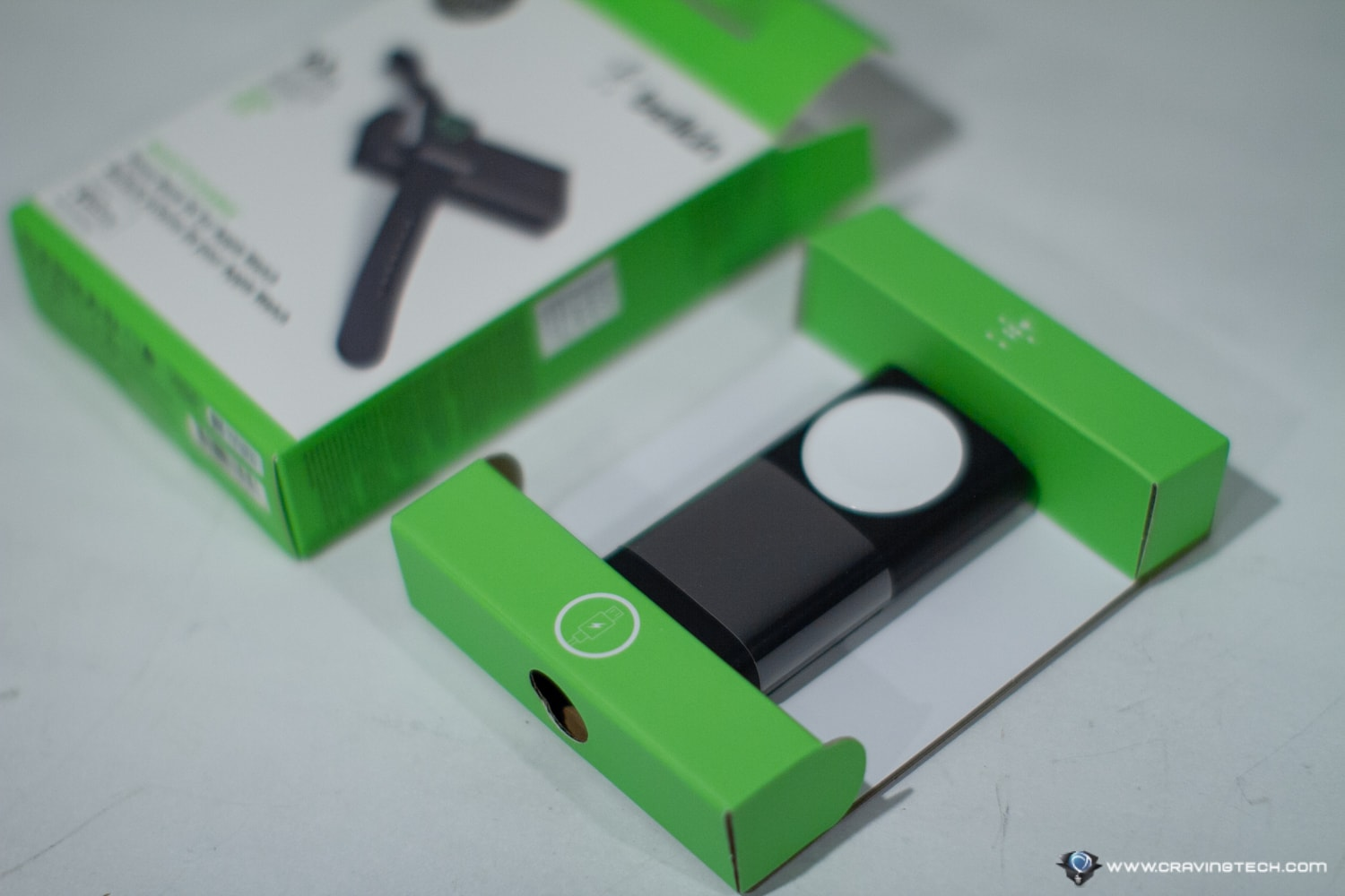 Belkin PowerBank for Apple Watch Unboxing