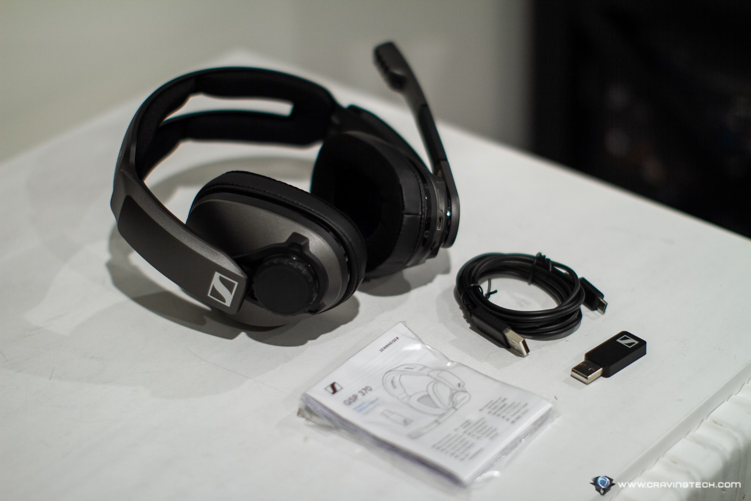 Sennheriser GSP 370 Wireless Gaming Headset Packaging and Unboxing