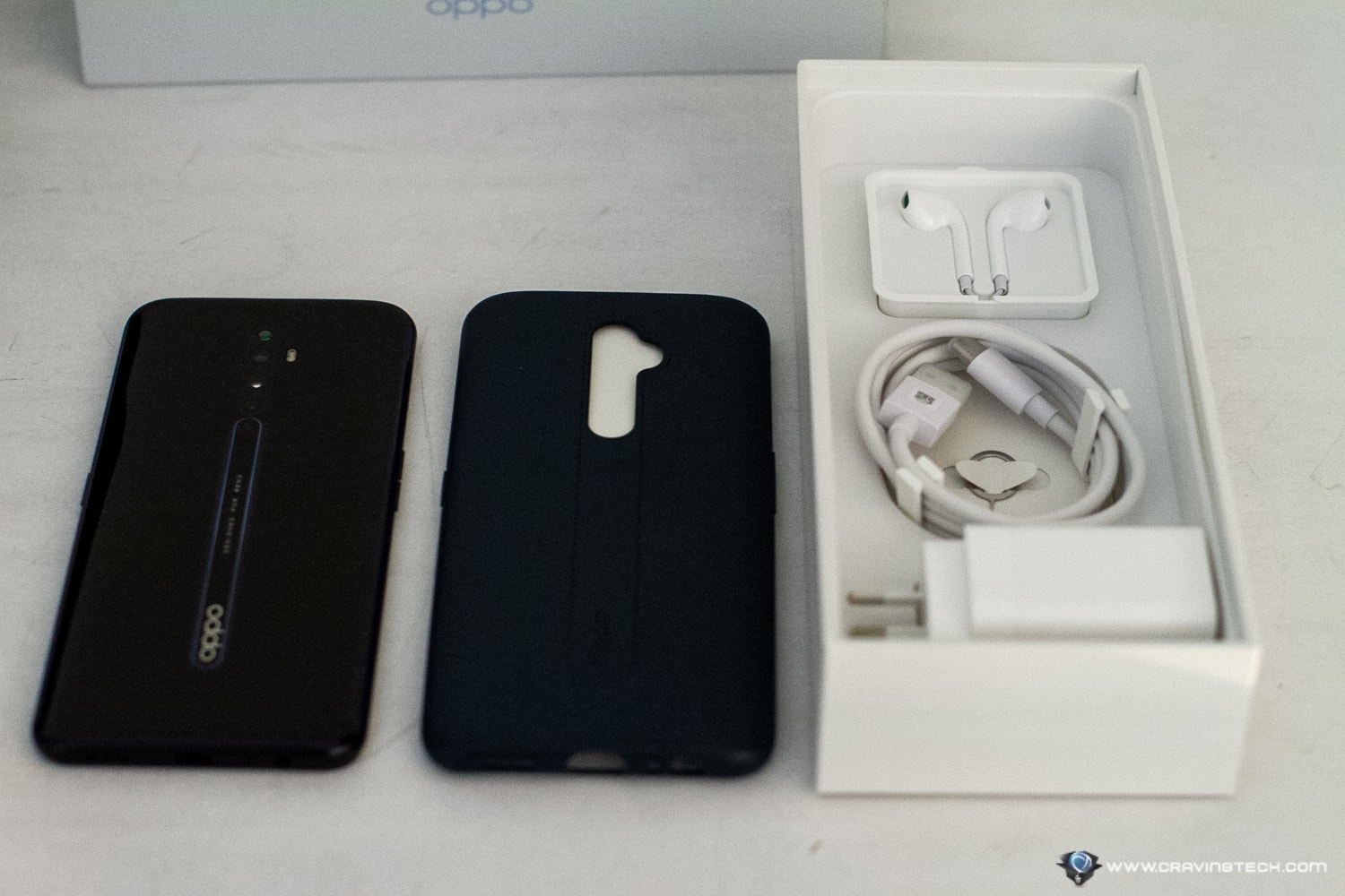 OPPO Reno2 Z  packaging and unboxing