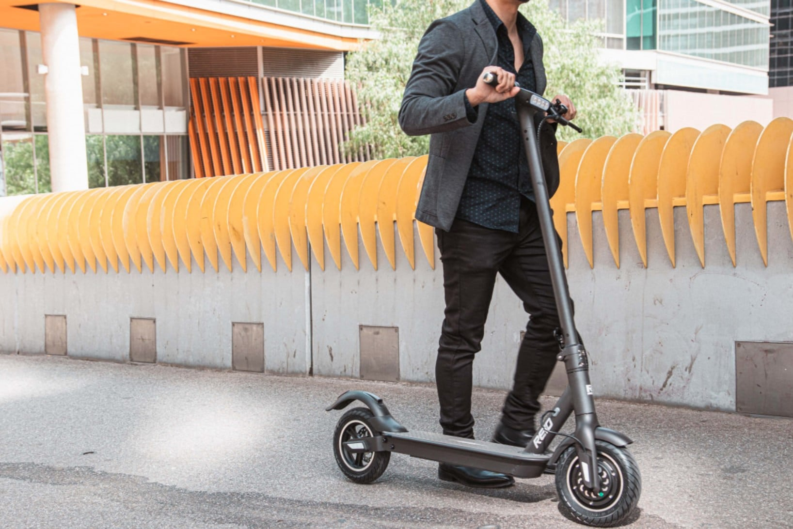 Riding my first electric scooter – Reid E4 Plus eScooter Review
