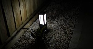 Hue-Impress-Outdoor-Pedestal-Light-14