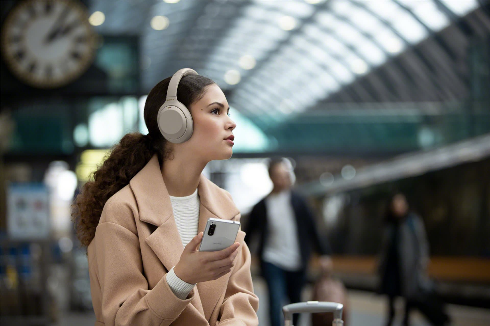 Sony announced the 4th generation of its most popular noise cancelling headphones, the WH-1000XM4