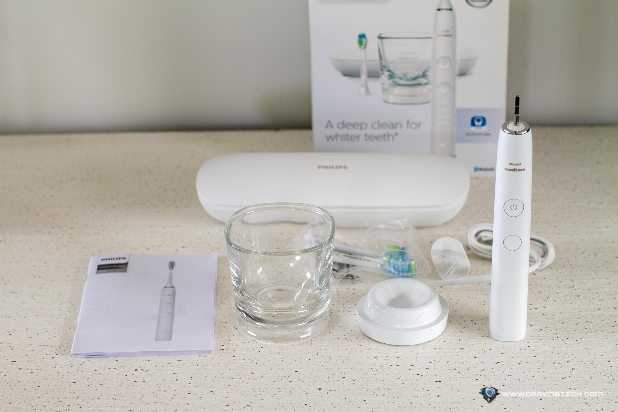 Philips Sonicare DiamondClean 9000 packaging