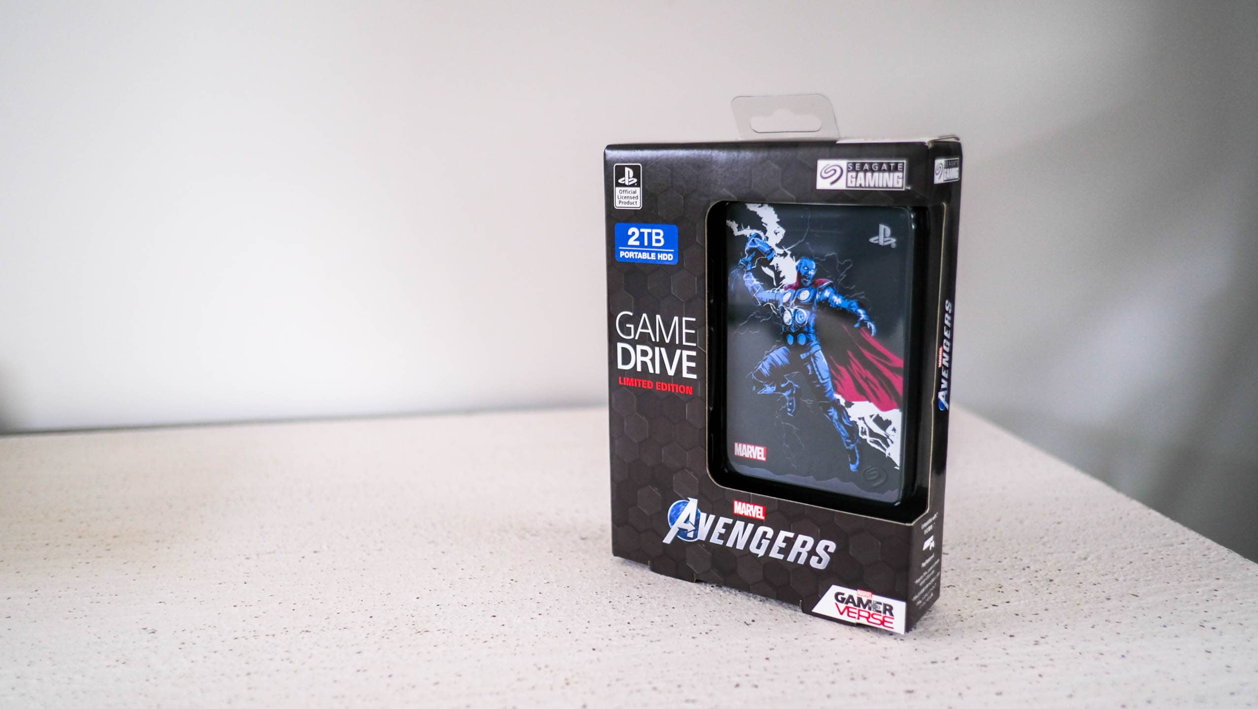 Seagate PS4 Game Drive Marvel Special Edition Thor-1