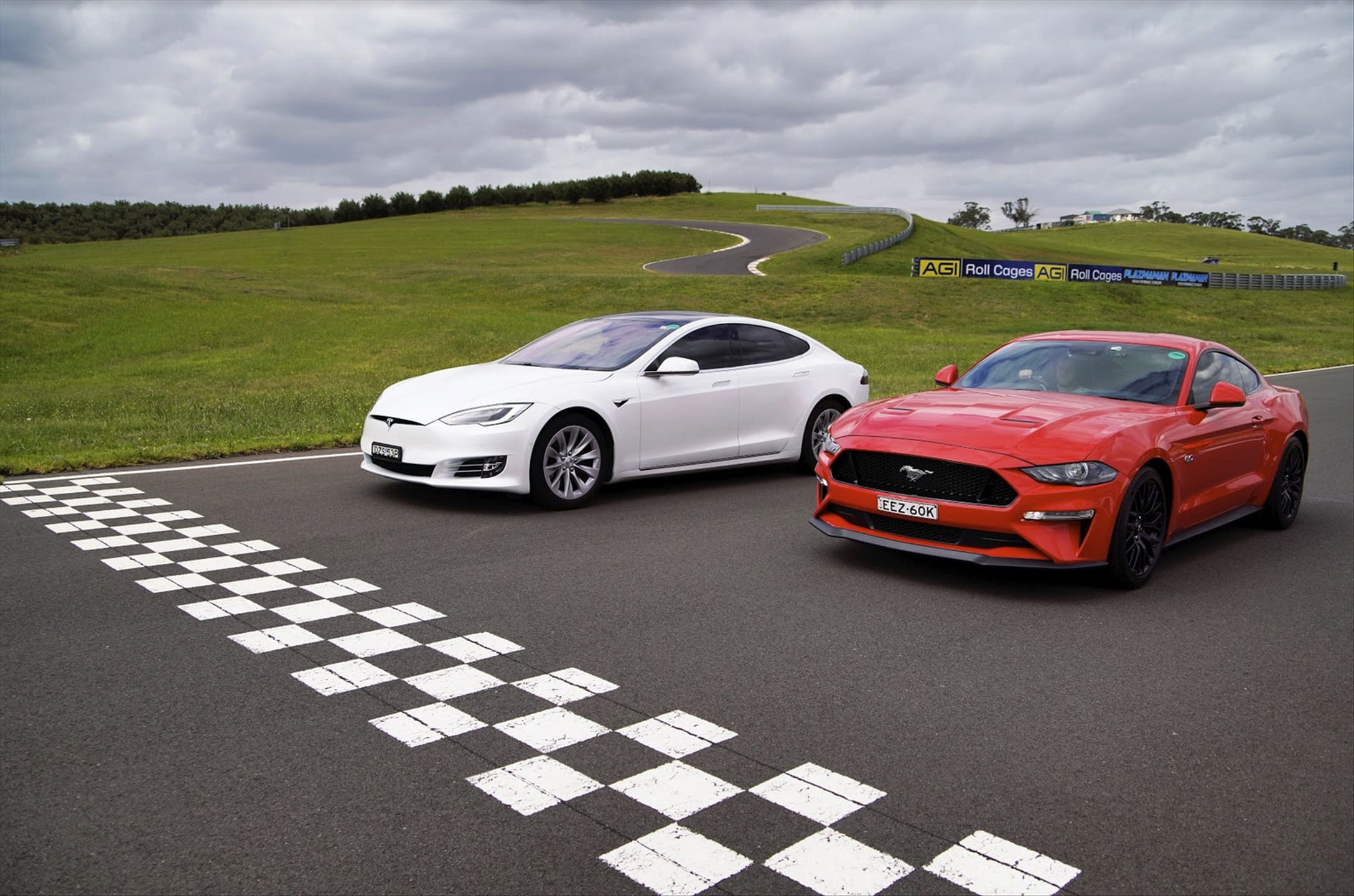 Tesla Model S vs Ford Mustang GT Drag Race – Who would win?