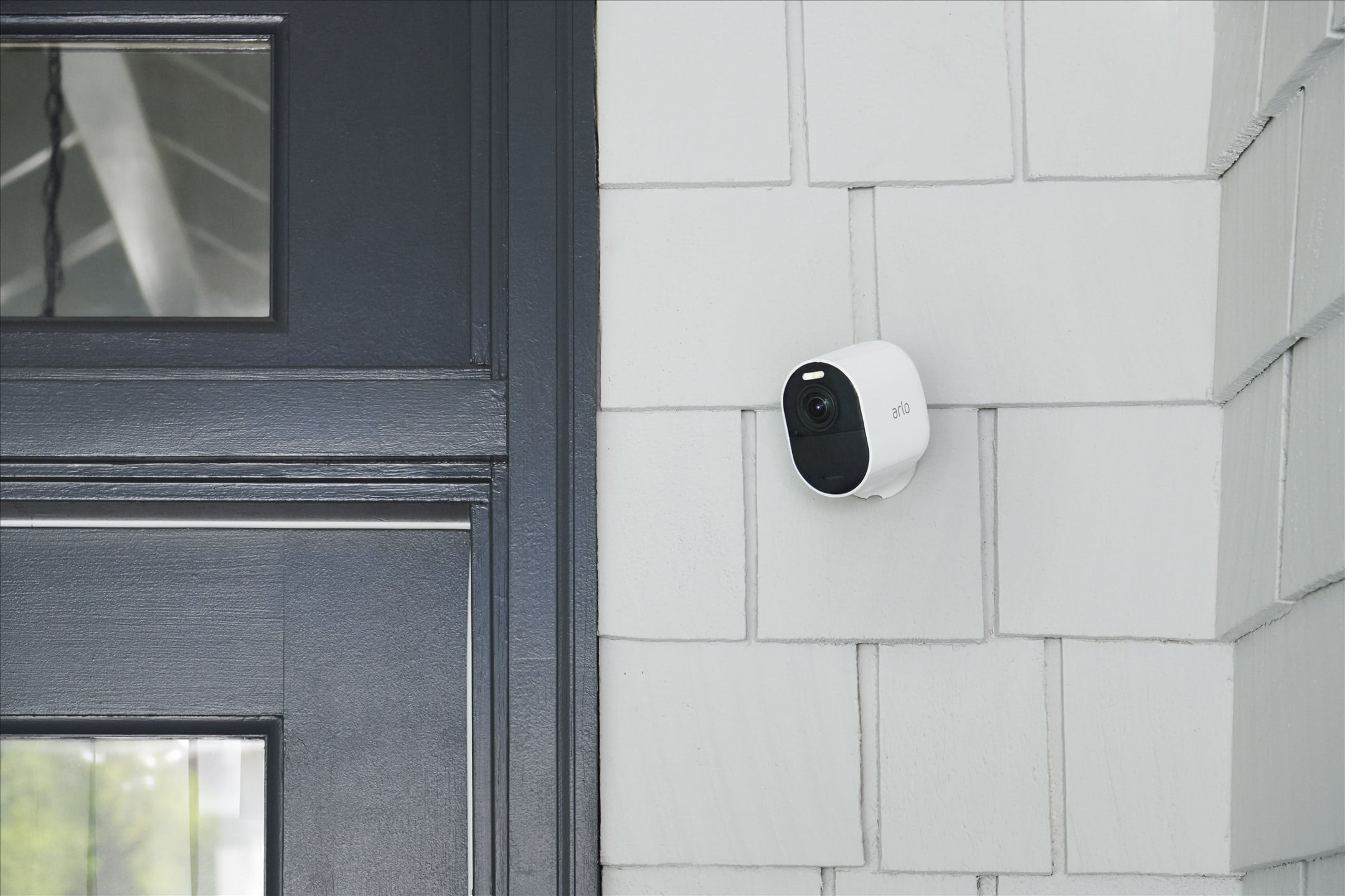 Arlo Ultra 2 comes with dual-band and better wireless range